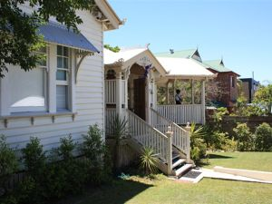 Minto Guest House - Tourism Bookings WA