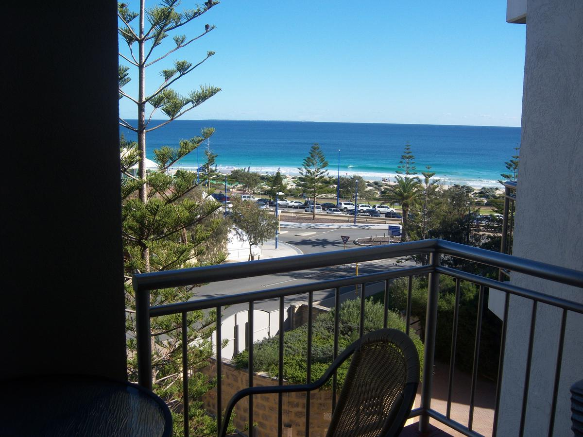 Scarborough - Oceanview 2 Bed, 2 Bathroom Apartment - Tourism Bookings WA